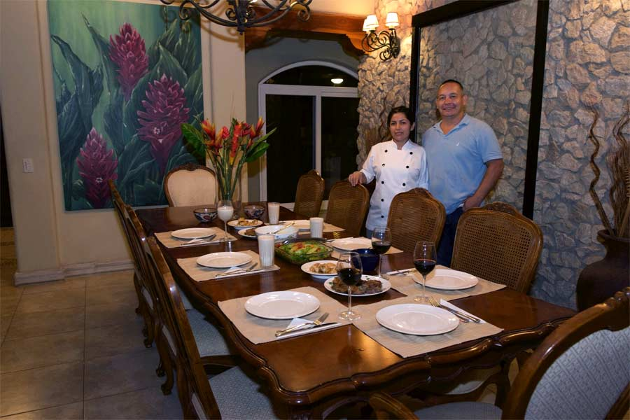 Costa rica villa rental with chef next to playa tamarindo for Costa rica house rental with chef
